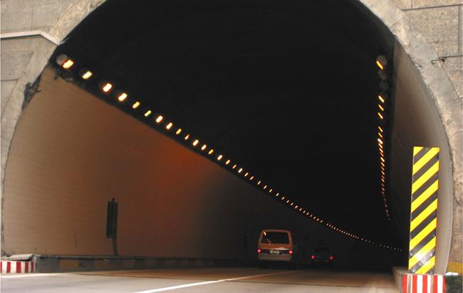 重慶(qing)上(shang)界高速小泉吉慶(qing)隧
